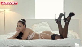 порно с милой девушкой